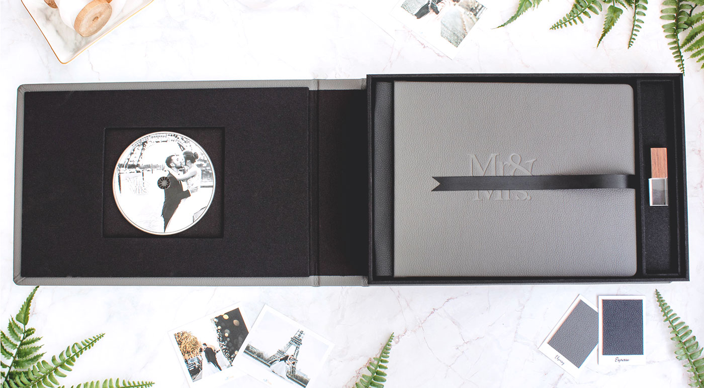 Wedding photobook and boxes with CD/DVD/USB Packaging, package for a wedding photography
